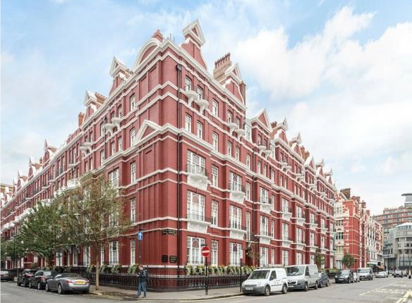 Thumbnail Flat for sale in Mansions, Hyde Park