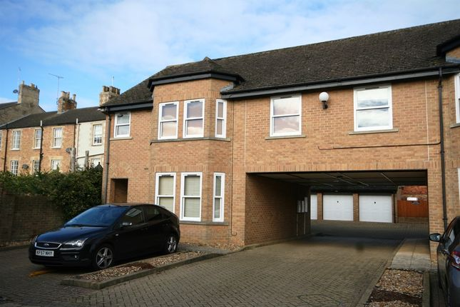 Thumbnail Flat for sale in The Croft, Stamford