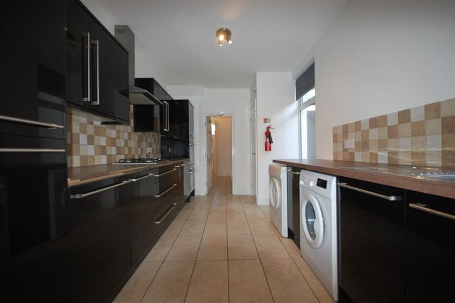 Thumbnail Property to rent in Livingstone Road, Bounds Green