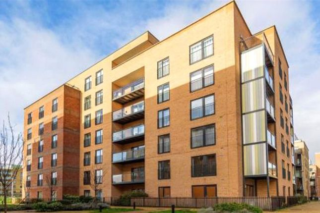 1 bed flat to rent in Lux Building, Maxwell Road, Romford, Essex RM7