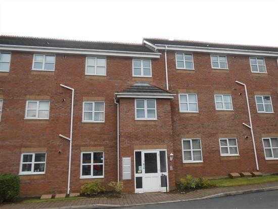 2 bed flat to rent in Delph Drive, Burscough, Ormskirk