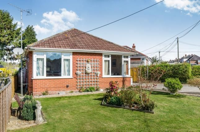Thumbnail Bungalow for sale in Bishopstoke, Eastleigh, Hampshire