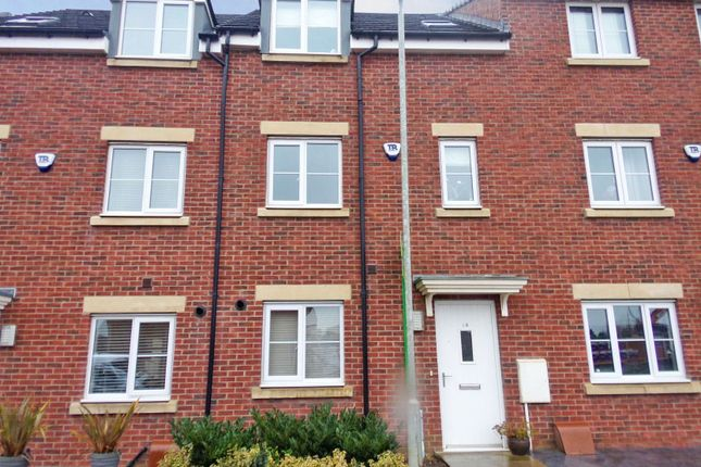 Thumbnail Town house to rent in Haggerston Road, Blyth