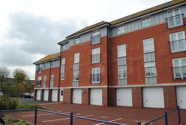 Thumbnail Flat to rent in Newton Drive, Blackpool