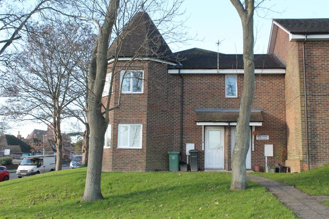 Thumbnail Flat to rent in Woodsgate Park, Bexhill-On-Sea