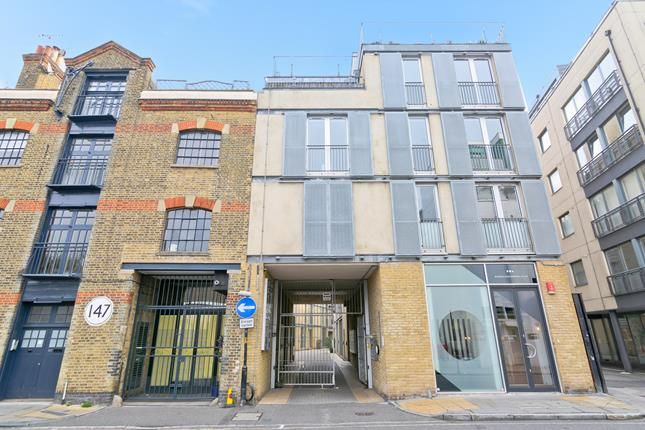 Thumbnail Office to let in Unit 18-19 Bickels Yard, 151-153 Bermondsey Street, London