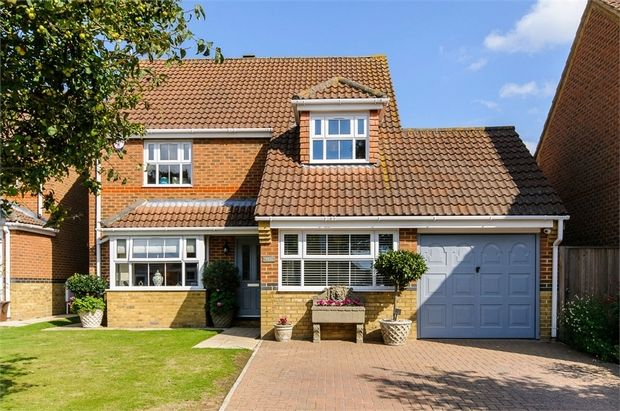 Thumbnail Detached house for sale in Richardson Way, Cliffsend, Ramsgate