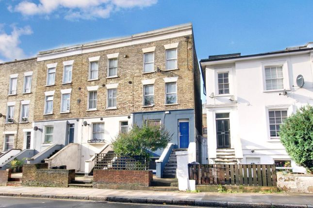 Flat for sale in Hornsey Road, London