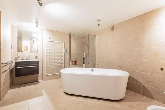 Family Bathroom of Mylor Bridge, Nr Truro And Falmouth, Cornwall TR11