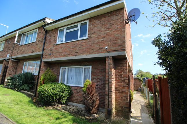 Thumbnail Flat for sale in Howe Close, Colchester