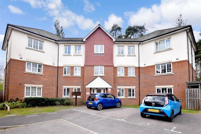 2 bed flat for sale in Royal Drive, Bordon, Hampshire GU35