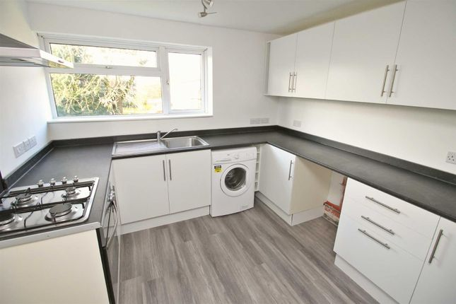Thumbnail Flat to rent in Middlesex Drive, Bletchley, Milton Keynes