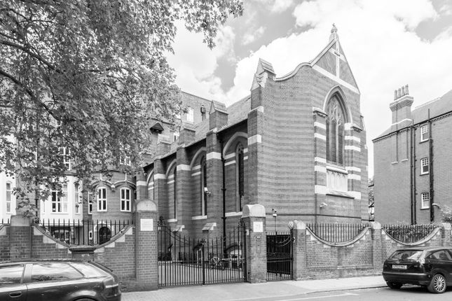 Thumbnail Flat for sale in Cormont Road, London