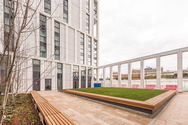 Thumbnail Flat for sale in Battersea Park Road, Battersea Park, London