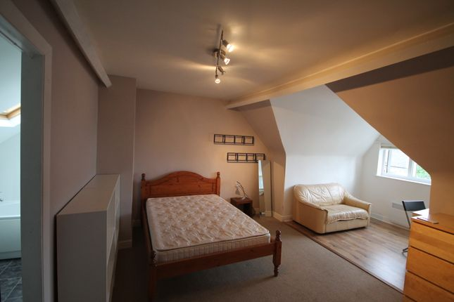 Thumbnail Terraced house to rent in Sweetbriar Road, West End, Leicester