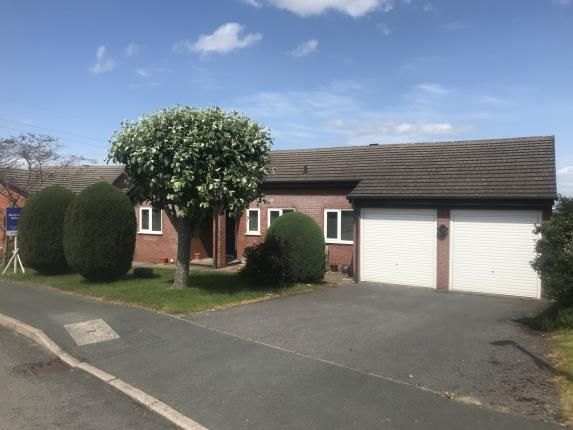 Thumbnail Bungalow for sale in Llys Y Nant, Pentre Halkyn, Holywell, Flintshire