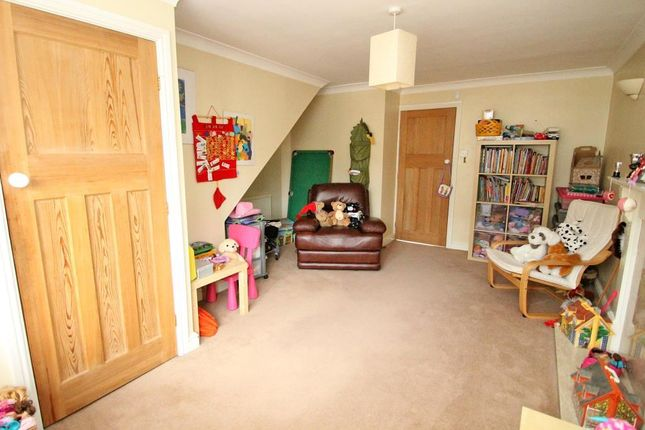 Sitting Room of Wymondham Close, Arnold, Notttingham NG5