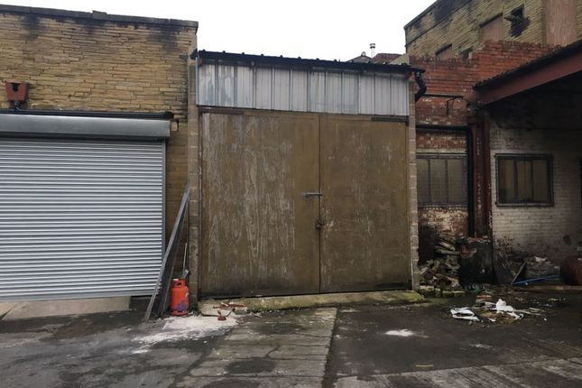 Unit 3 Entrance of Beckside Lane, Bradford BD7