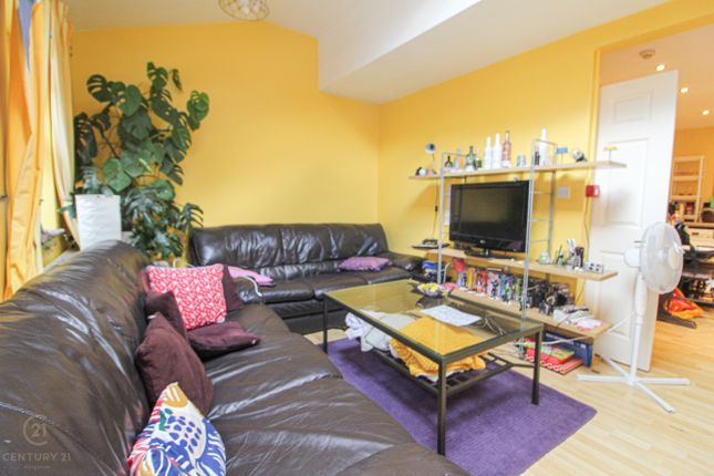Thumbnail Flat to rent in Southsea Road, Kingston Upon Thames, Surrey Kt