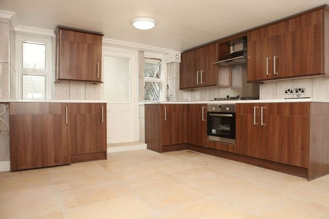 Thumbnail Flat to rent in Fordham Street, London
