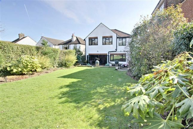 Thumbnail Detached house for sale in Trowley Rise, Abbots Langley