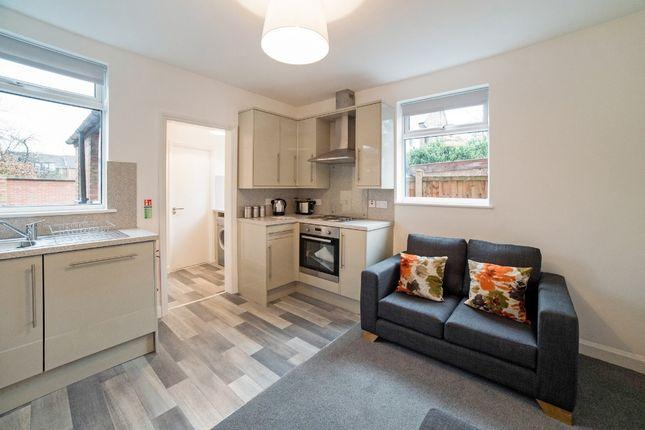 Thumbnail Flat to rent in Dagmar Grove, Beeston, Nottingham