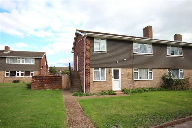 2 bed flat to rent in Harrison Court, Broadwater, Worthing BN14