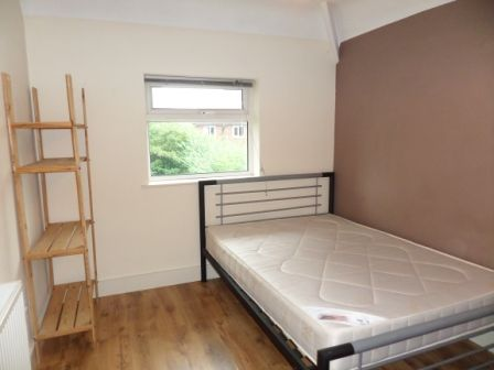 Thumbnail Shared accommodation to rent in Crombie Avenue, York