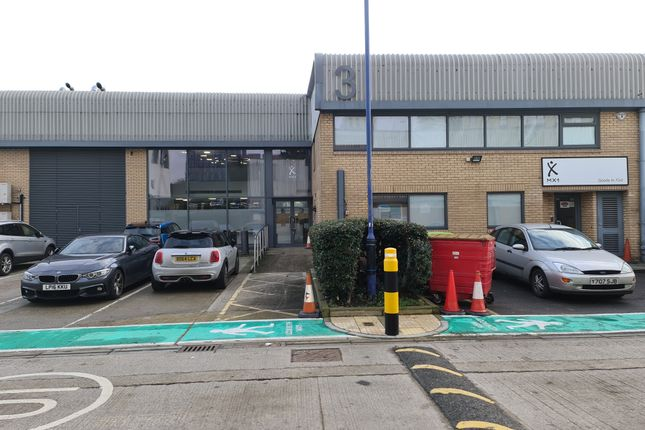 Thumbnail Industrial to let in Unit 3, Victoria Industrial Estate, London