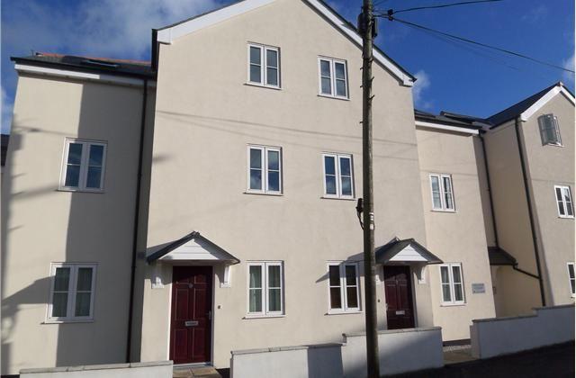 Thumbnail Flat for sale in Hillside Court, St Austell