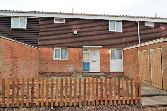 Thumbnail Terraced house for sale in Dunchurch Close, Redditch