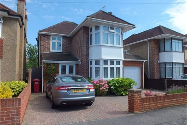 Thumbnail Property to rent in Buckland Avenue, Slough, Berkshire