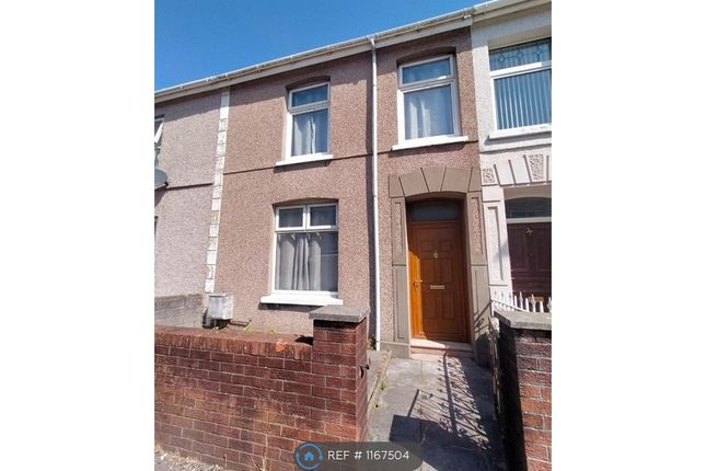 3 bed terraced house to rent in Trinity Road, Llanelli SA15