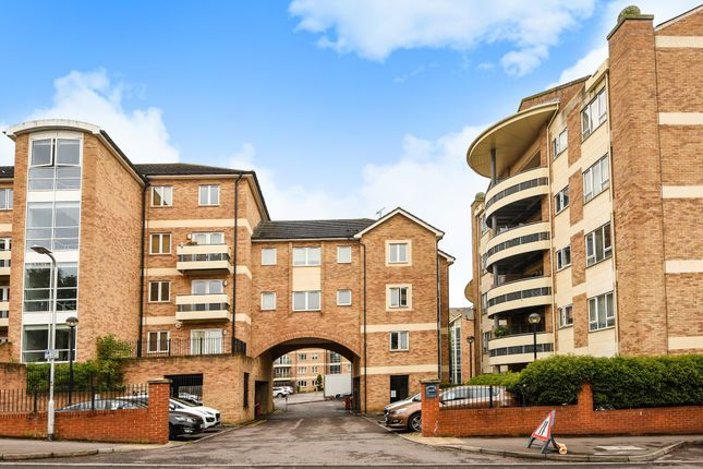 Thumbnail Flat to rent in Branagh Court, Reading