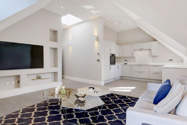 Thumbnail Penthouse for sale in Riddlesdown Road, Purley
