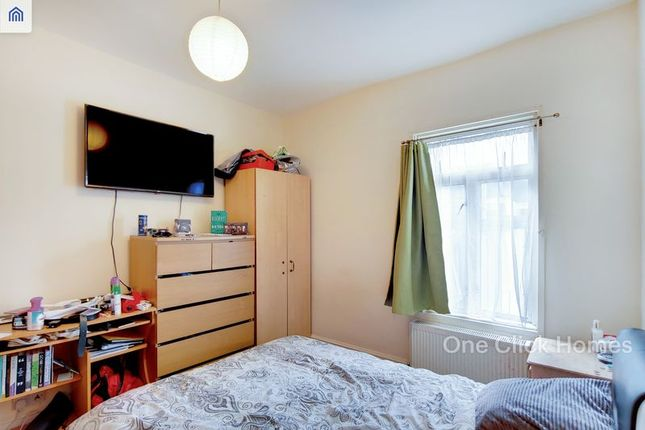 Thumbnail Flat for sale in Buckland Road, Leyton