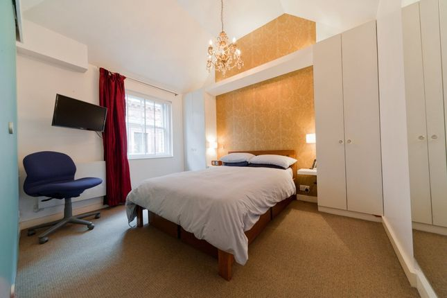 Thumbnail Flat to rent in Bedford Street, London