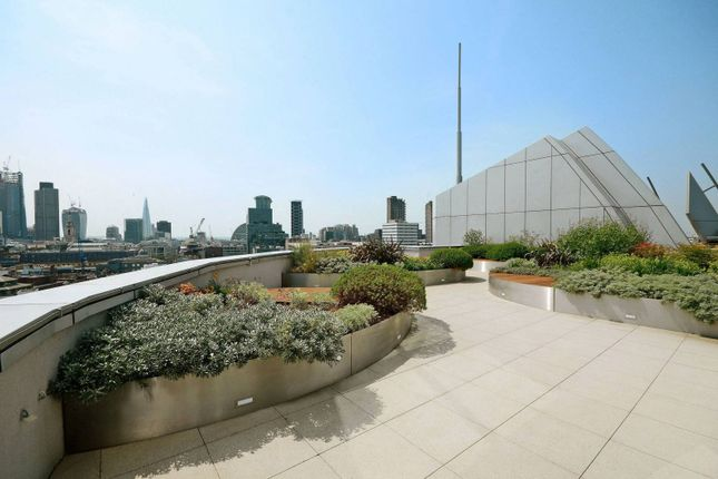 Flat for sale in Old Street, Old Street, London