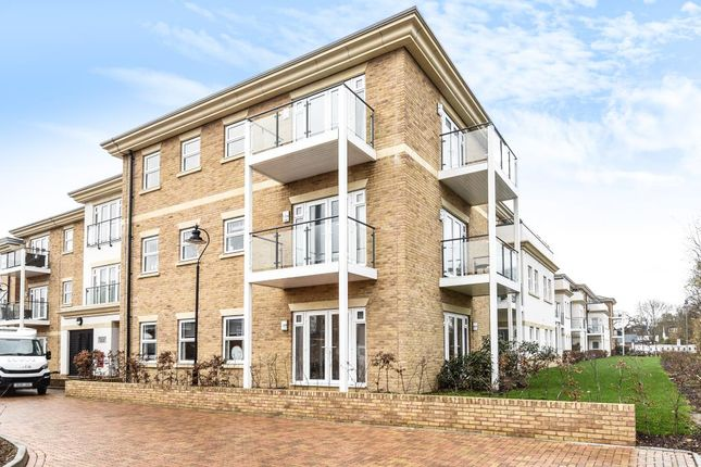 2 bed flat for sale in Lower Sunbury, Middlesex