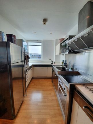 Thumbnail Flat to rent in Halcyon Wharf, 5 Wapping High Street, London