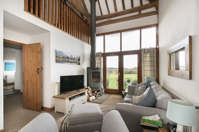 3 bed barn conversion to rent in Toweridge Barn, Toweridge, West Wycombe, High Wycombe, Buckinghamshire