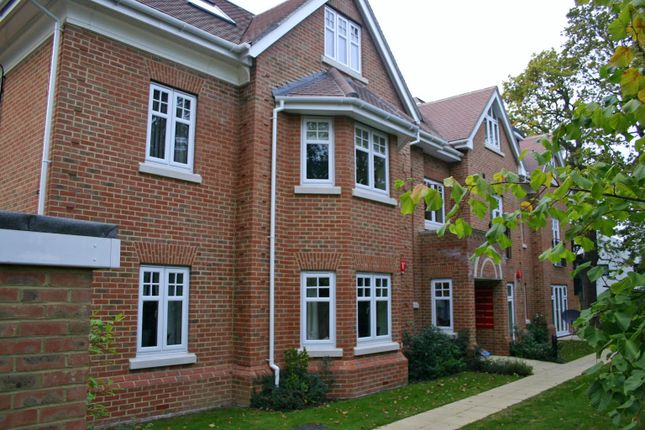 2 bed flat to rent in Burleigh Mansions, Sidney Road, Walton On Thames KT12