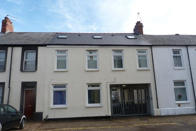 Thumbnail Property to rent in Rhymney Street, Cathays, Cardiff