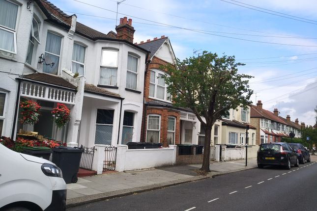 Thumbnail Shared accommodation to rent in Arcadian Gardens, Wood Green