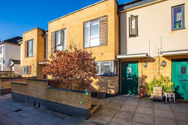 Thumbnail Town house for sale in Humes Avenue, London