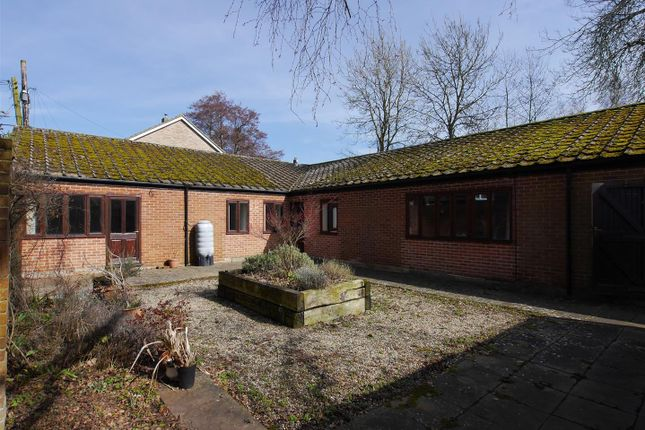 3 bed detached bungalow to rent in Ash Street, Boxford, Sudbury, Suffolk CO10
