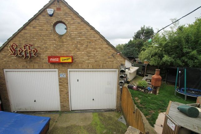 Picture No. 24 of Linwood Avenue, Strood, Kent ME2