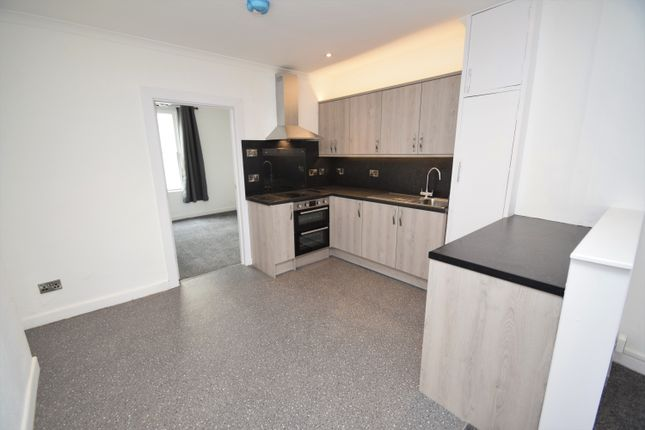 2 bed maisonette to rent in High Street, Falmouth TR11