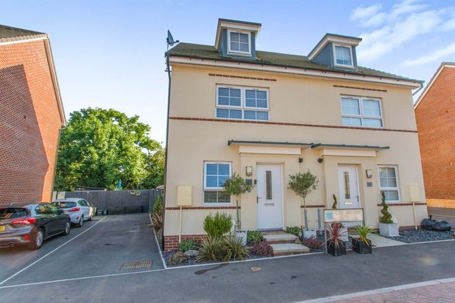 Thumbnail Town house for sale in Cae Brewis, Boverton, Llantwit Major