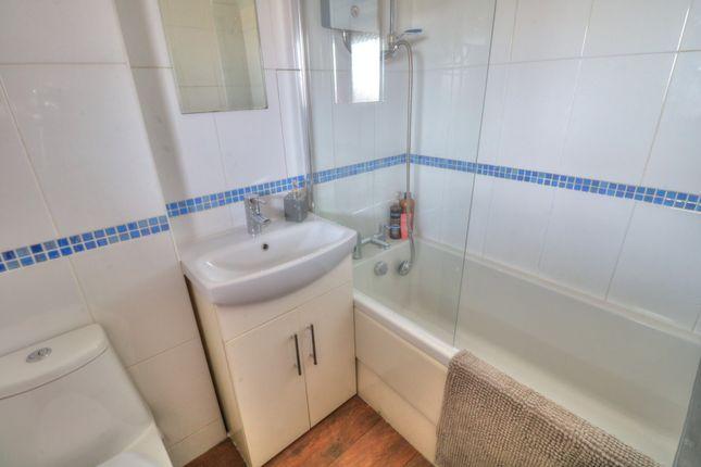 Bathroom of Orange Lane, Montrose DD10